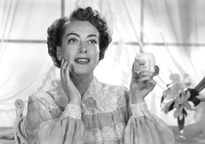 Joan Crawford in a Woodbury Cold Cream advertisement circa 1950 © 1978 Paul Hesse