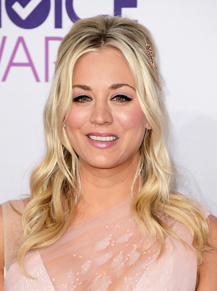 Kaley Cuoco, presentadora de los People's Choice Awards de 2013