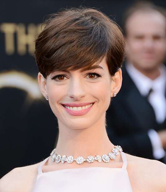 Impecable siempre, Anne Hathaway