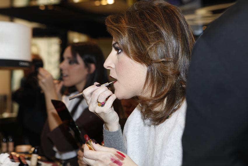 En los labios combiné varias de las barras de labios Rouge Allure de Chanel.