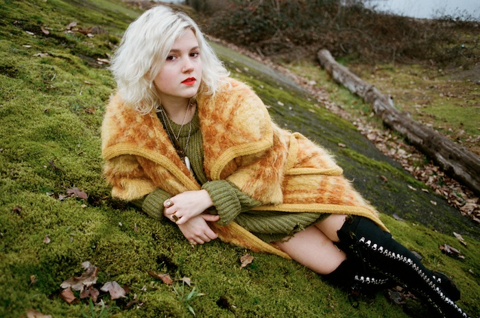 La joven fotógrafa Olivia Bee, creadora de la imagen del perfume Anaïs Anaïs Premier Délice